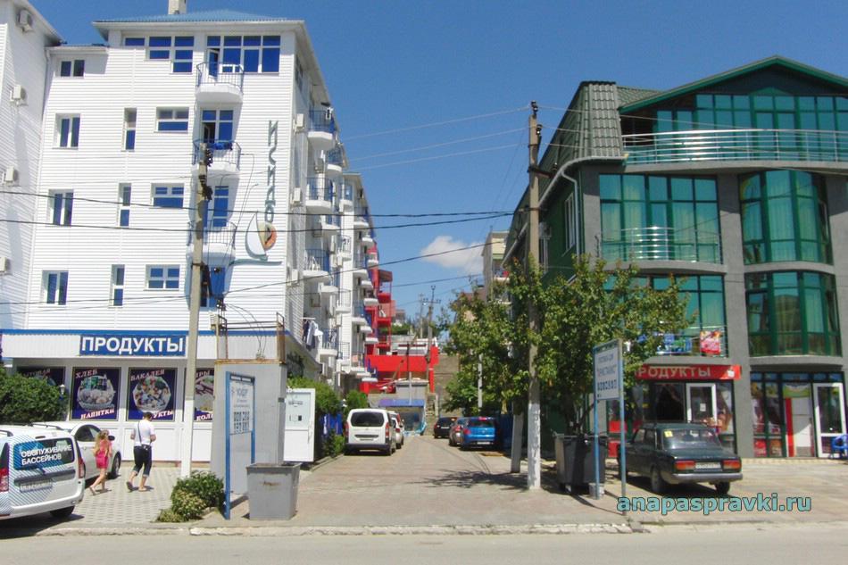 Проход с Южного проспекта на улицу Роз в Витязево